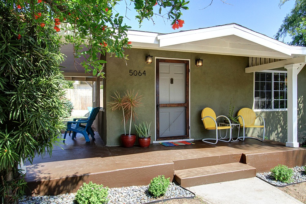 Cozy Modern Bungalow at 5064 Floristan