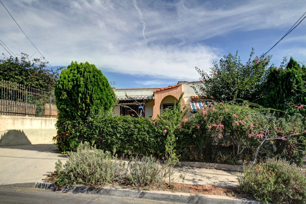 Spanish bungalow for sale in Highland Park is a DIY Dream!