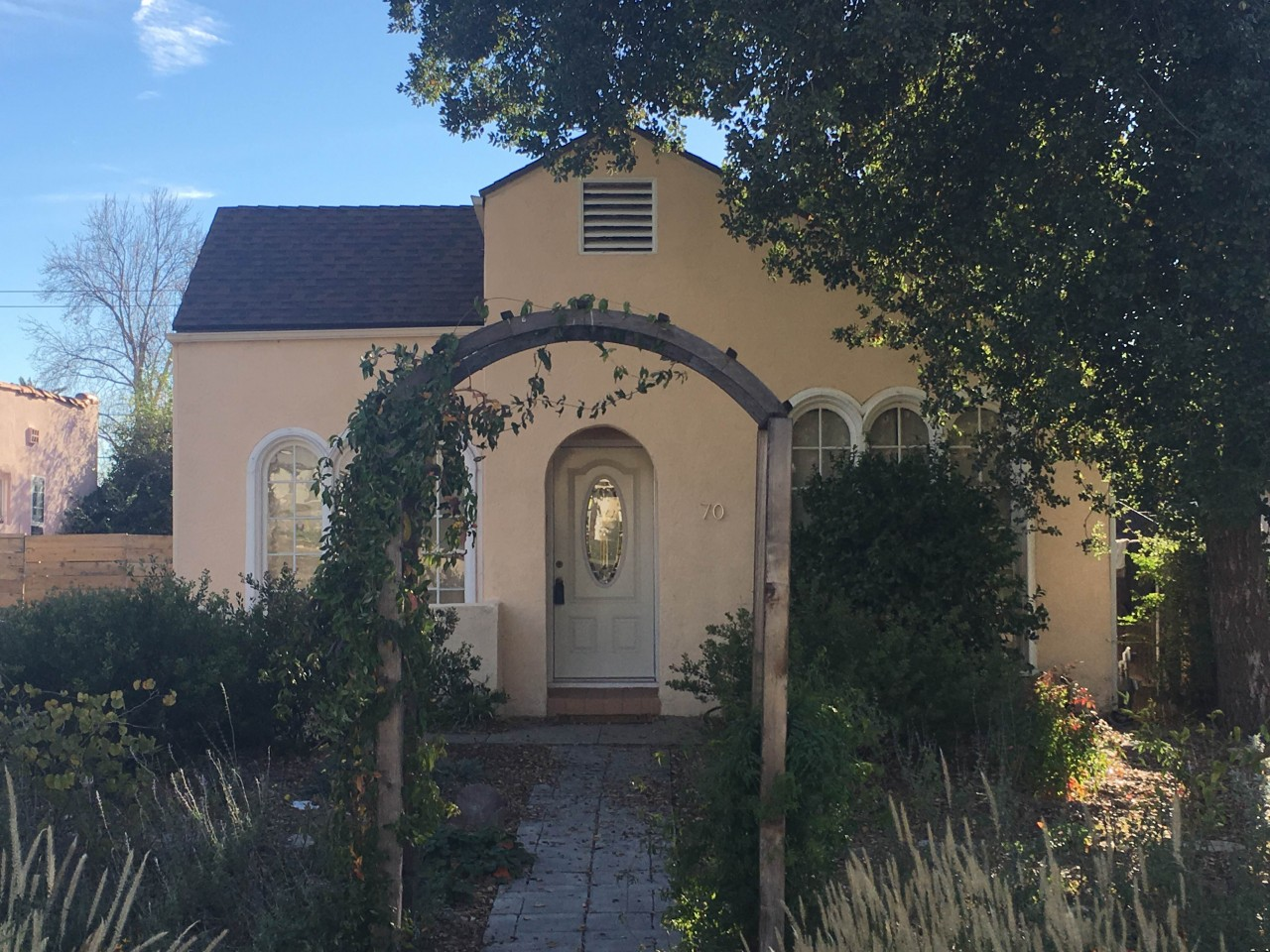 Our client just purchased this lovely Altadena home!