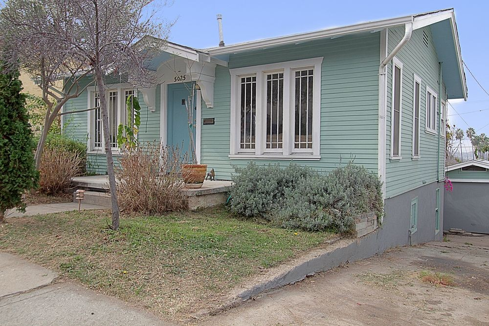 Charming Petite Cottage at 5025 Los Robles Street