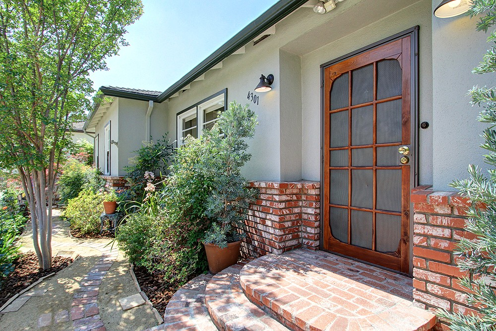 Midcentury Ranch Home at 4301 W Avenue 42