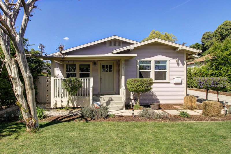 We sold this 1922 Eagle Rock bungalow for $876,111