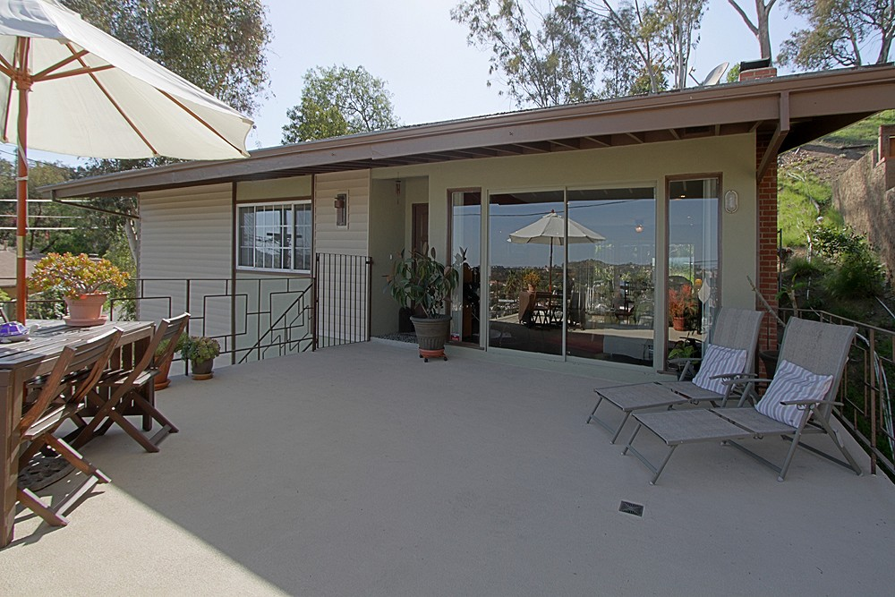 Midcentury With Views at 4831 Yosemite Way